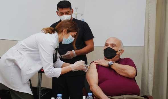 الدار البيضاء اليوم  - وزارة الصحة المغربية تؤكد تلقيح 181 ألف شخص بالحقنة الثالثة